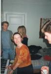 Annegrethe på klaver.jpg